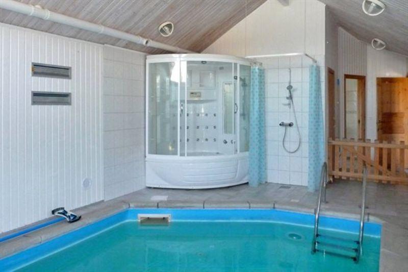 ferienhaus mit pool ebeltoft 6 personen. Black Bedroom Furniture Sets. Home Design Ideas